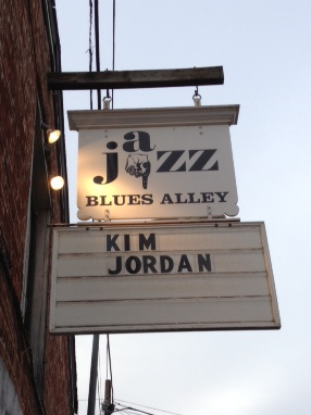Blues Alley (DC)